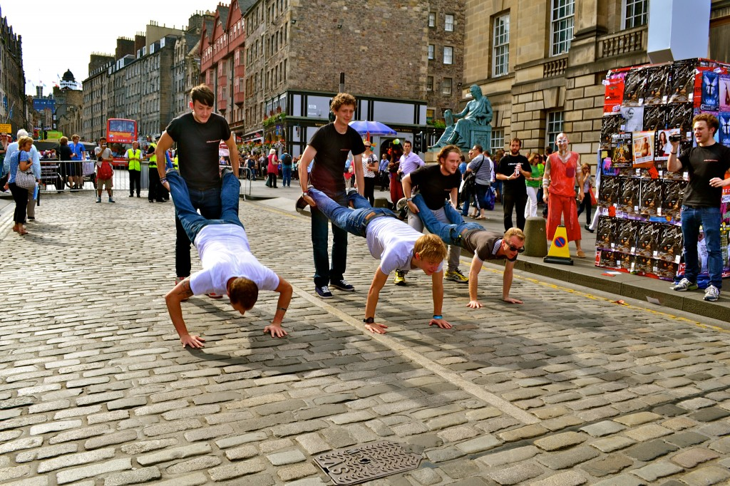 Wheelbarrows down the mile with Daniel Sloss, Benny from Axis of Awesome and Kai Humpries! Madness.