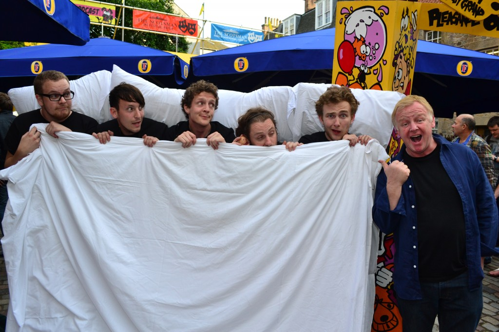 Les Dennis tucks us into bed... Yes! THE Les Dennis!